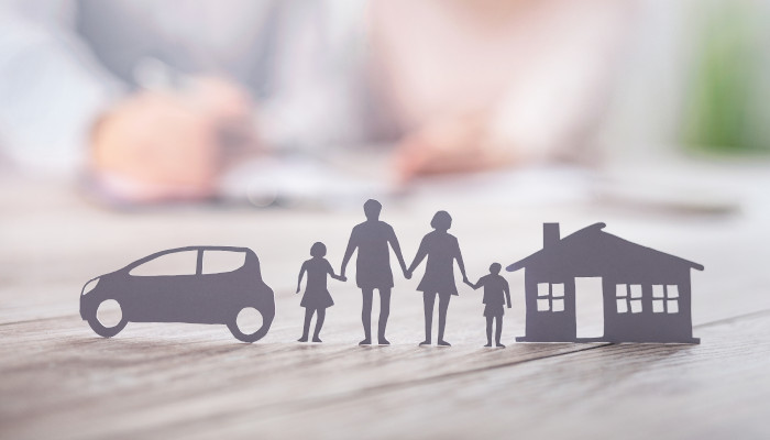 An illustration of a family and a home, highlighting the importance of starting to think about your estate plan