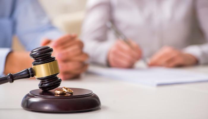 Contested Vs. Uncontested Divorce in Illinois